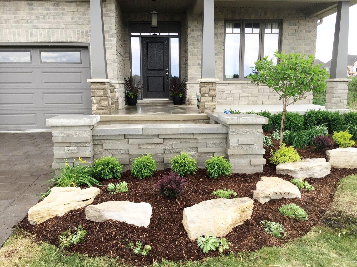 london-ontario-retaining-wall-stone-work-landscaper-06.jpeg