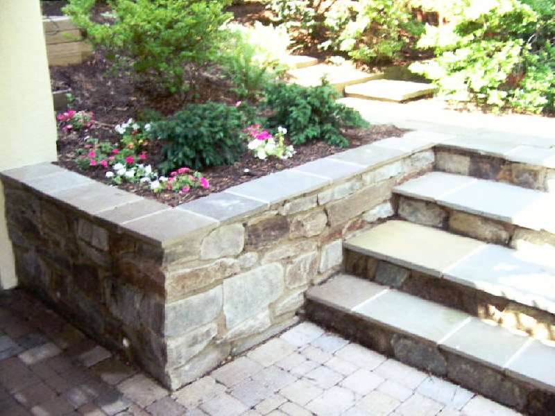 london-ontario-retaining-wall-stone-work-landscaper-09.jpg