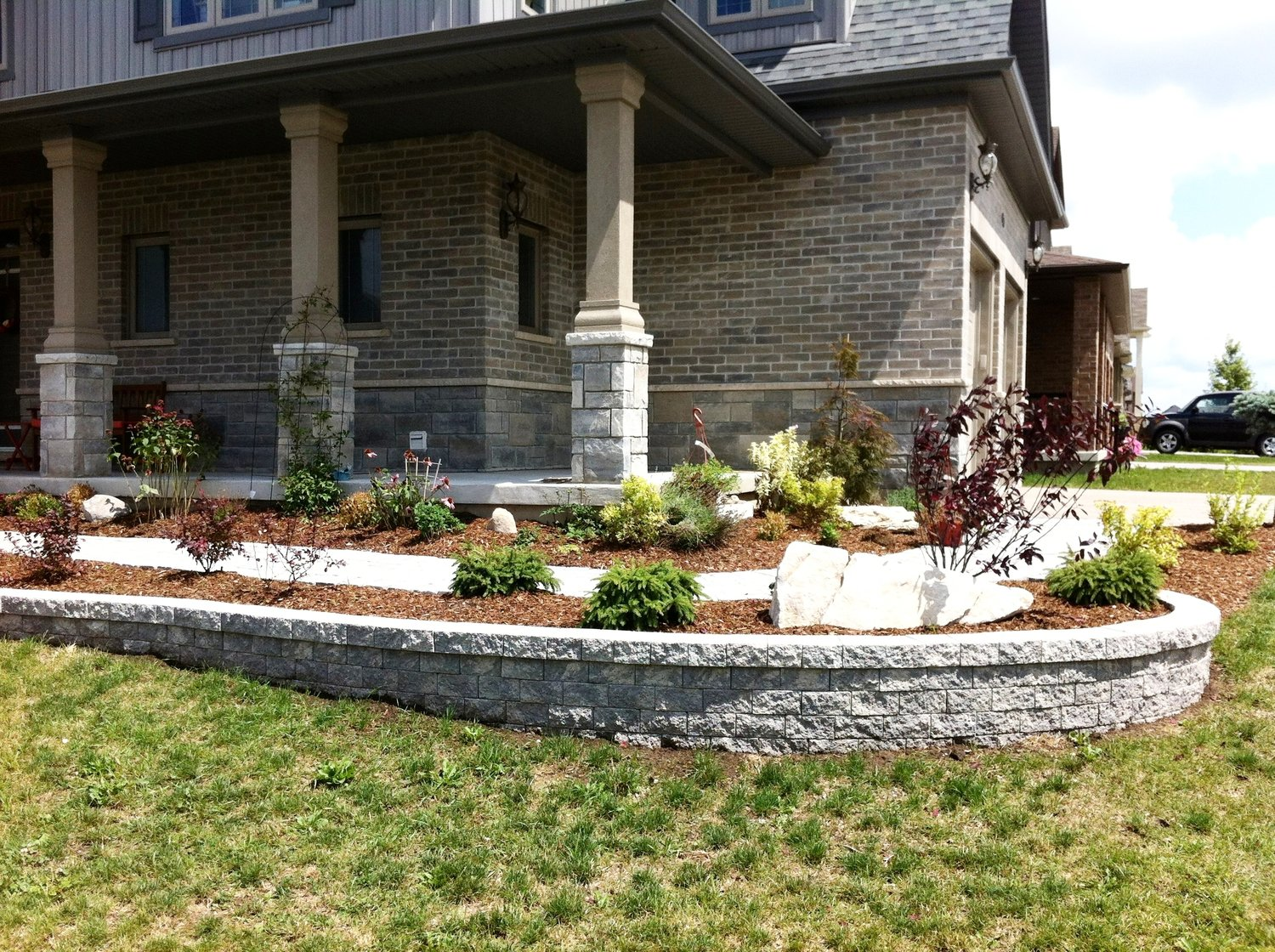 london-ontario-retaining-wall-stone-work-landscaper-15.jpeg