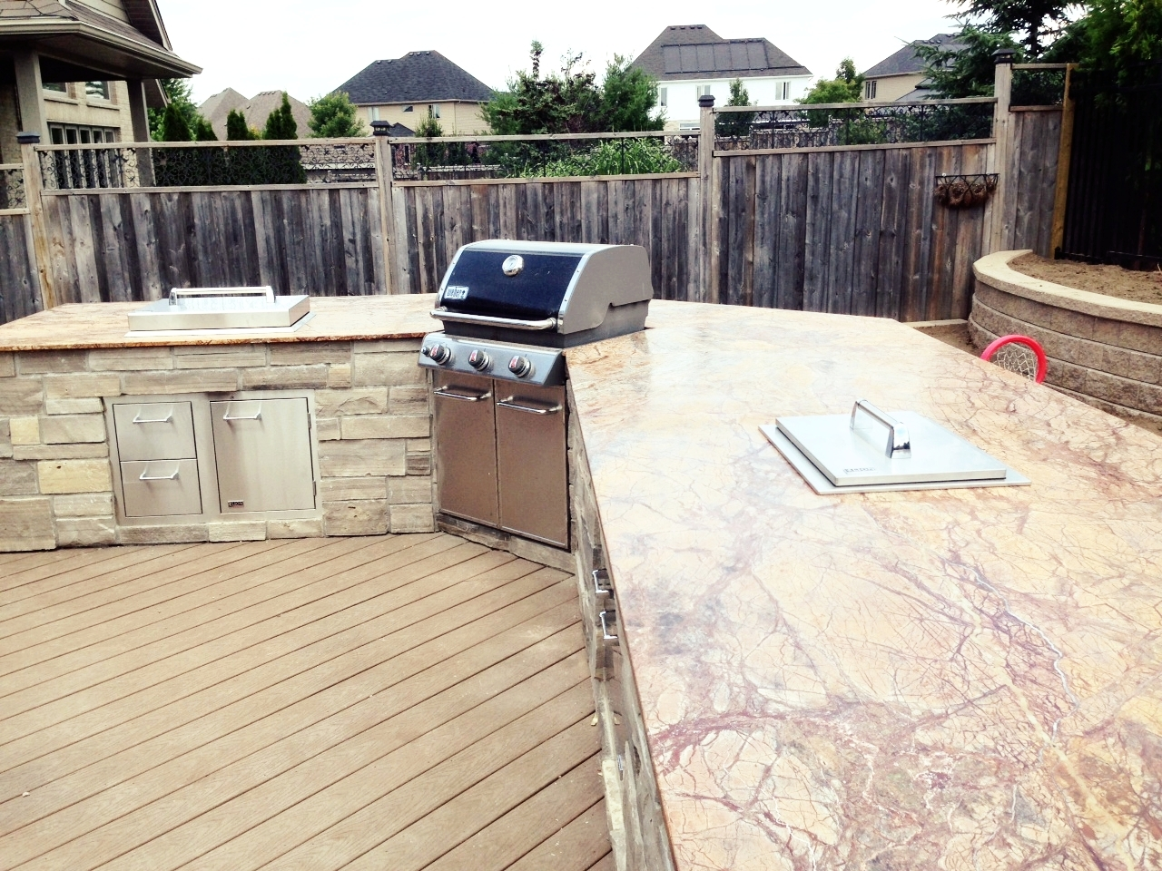 london-ontario-built-in-barbecue-bbq-grill-backyard-stone-landscaper-07.jpeg