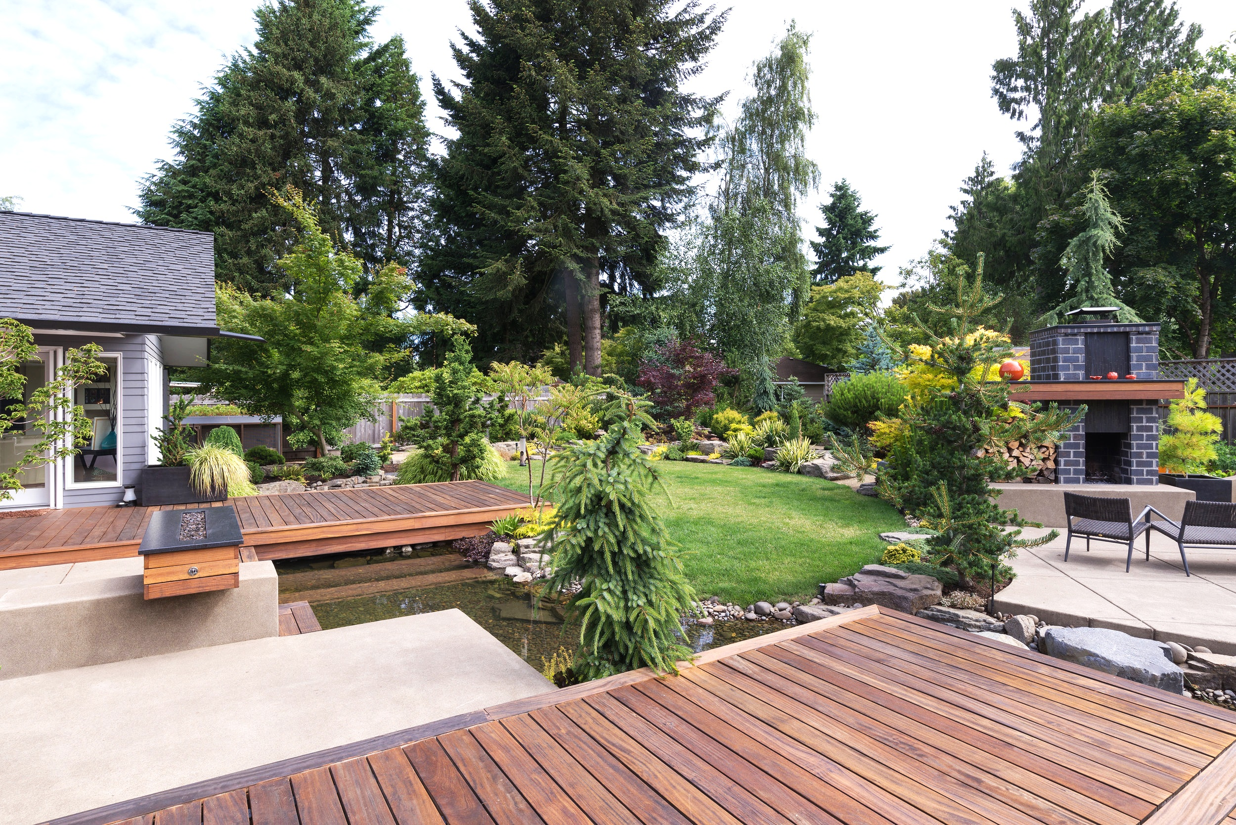 london-ontario-best-landscaper-design-landscaping-patio-driveway-deck-hunter-home-garden-14.jpg