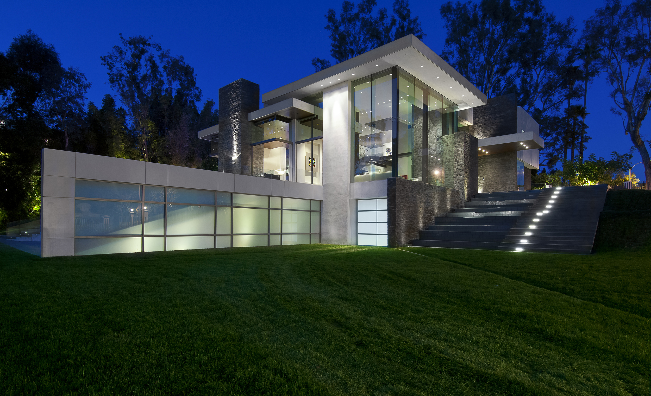 Summit Drive by  Whipple Russell Architects