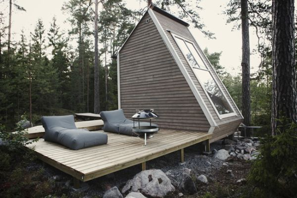 This micro cabin has 96 square feet of living space and due to its minimal size technically doesn't exist on paper and didn't require a permit to build.   Image as seen on homedit.com