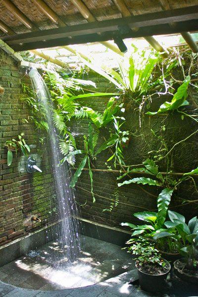 outdoor shower 3.jpg