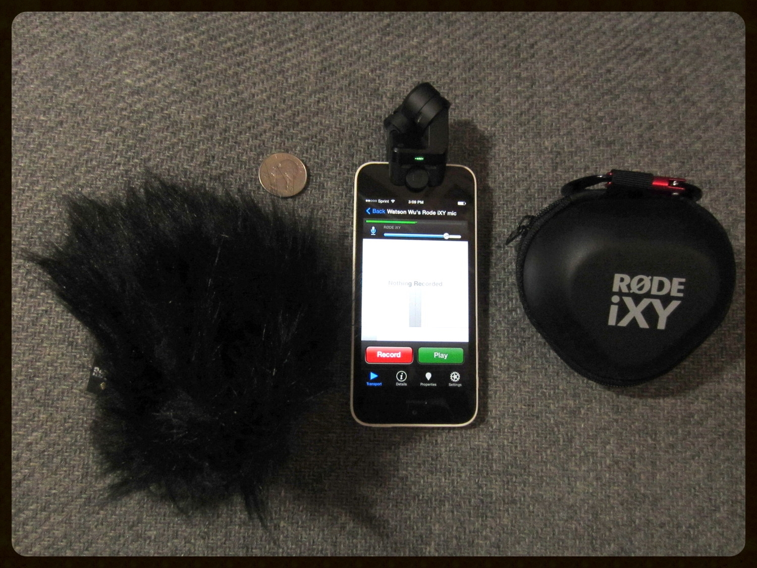 RØDE  Dead Kitten (an accessory), iXY Stereo Mic, and the included Carrying Case.