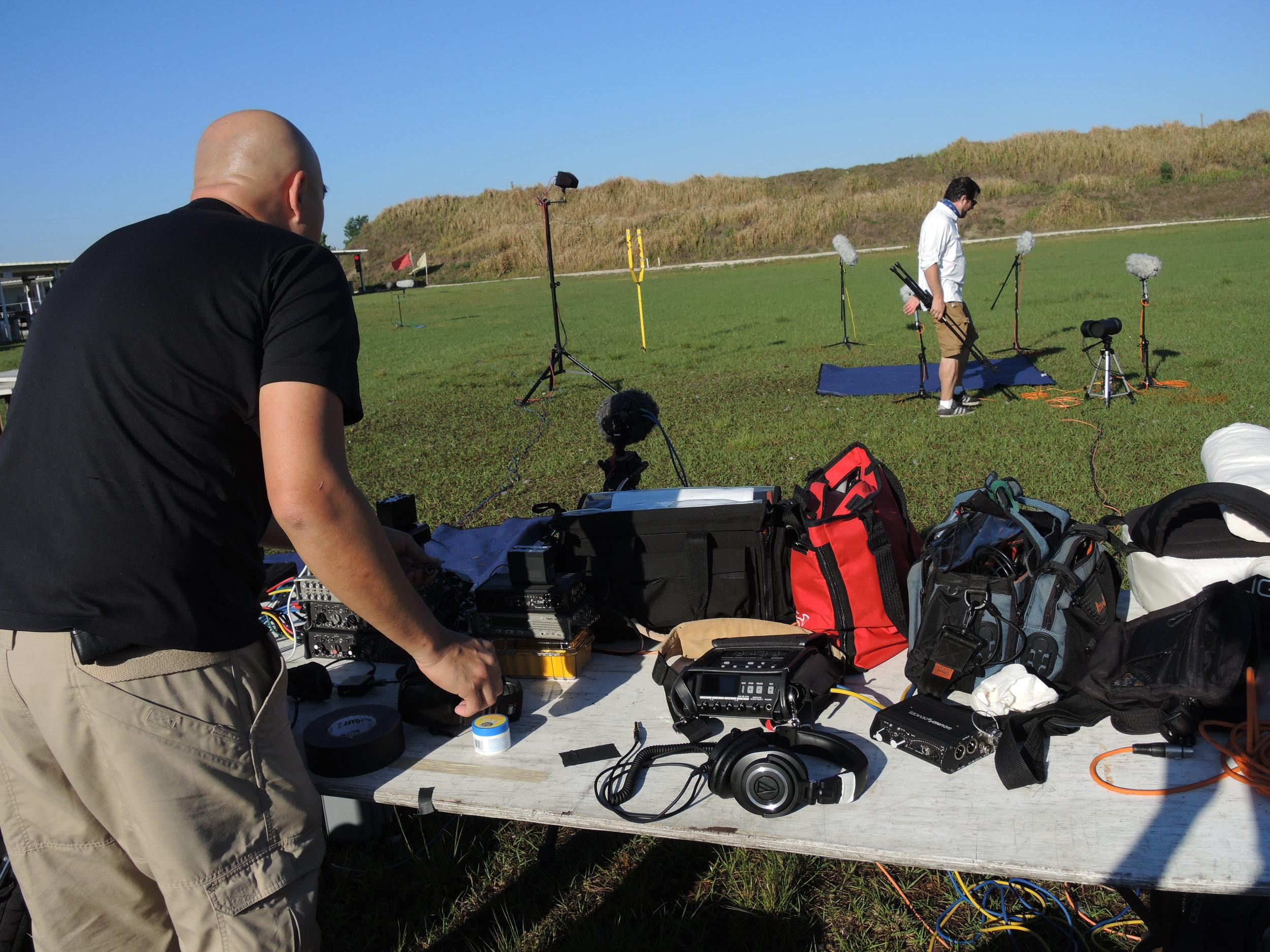 DSCN9883 Watson & Mark Muraski setting up.JPG
