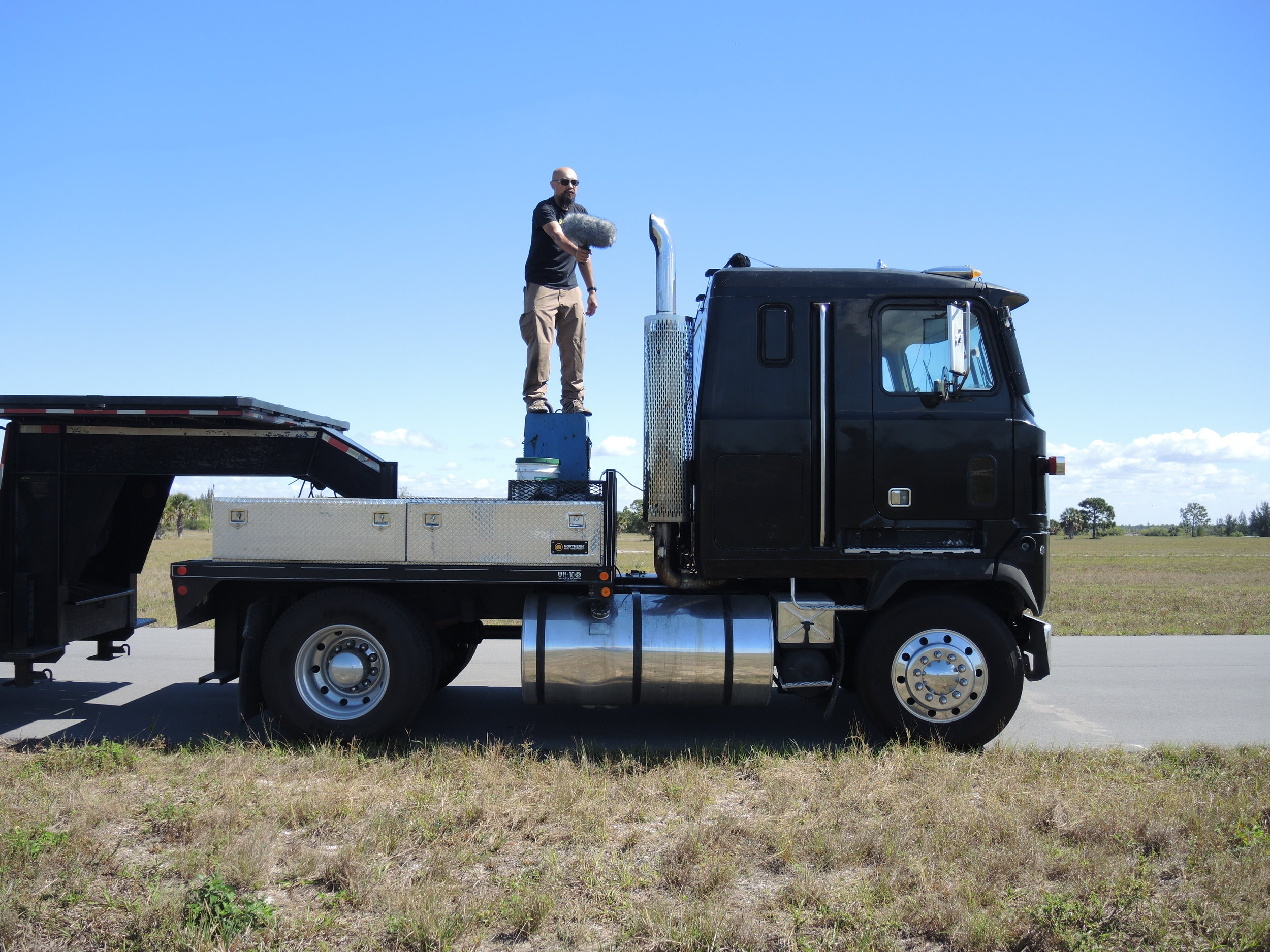 Vehicle Semi-Truck DSCN2397.JPG