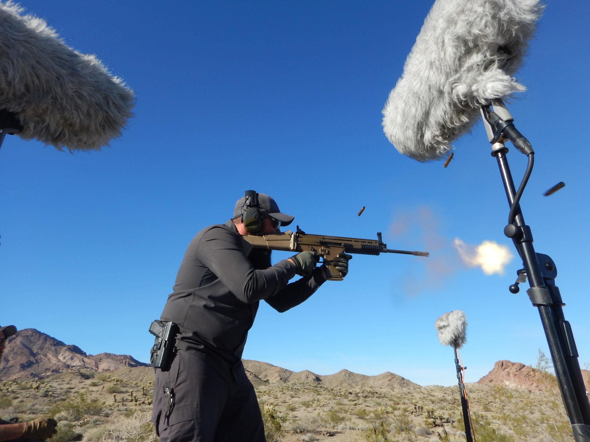 Weapon DSCN2110 SCAR-H Muzzle Blast - Daniel.JPG