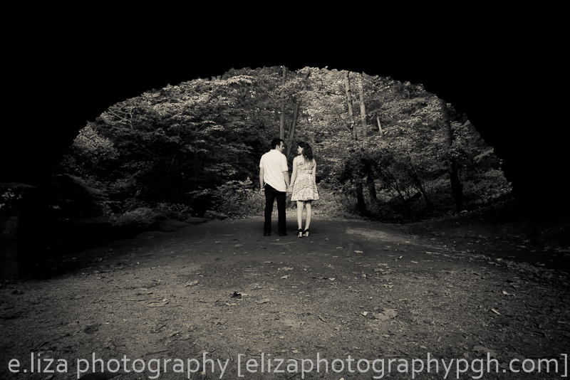Engagement Photos : e.liza photography : www.elizaphotographypgh.com