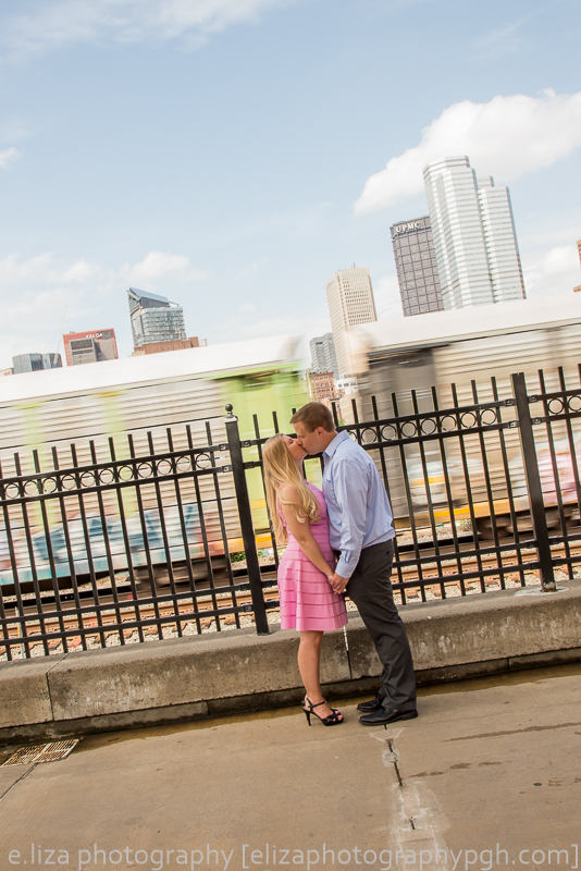 Engagement Photography :: Pittsburgh :: e.liza photography :: www.elizaphotographypgh.com