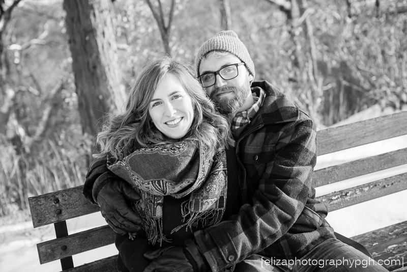 Engagement Photos :: Pittsburgh :: www.elizaphotographypgh.com