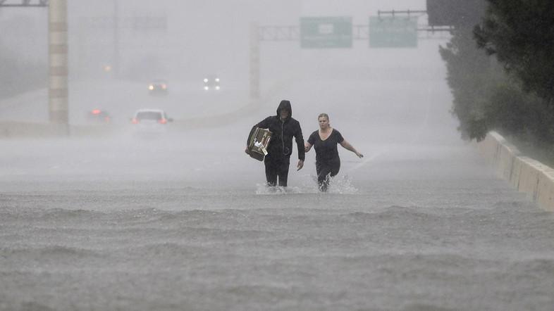 flooding on interstate.jpg