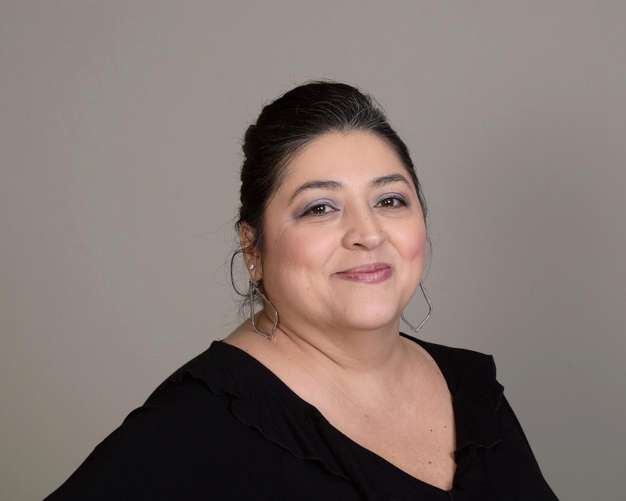 Tina Holland , Financial Assistant