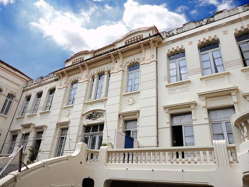 Complementos Arquitetônicos: Instituições de Ensino e Museus