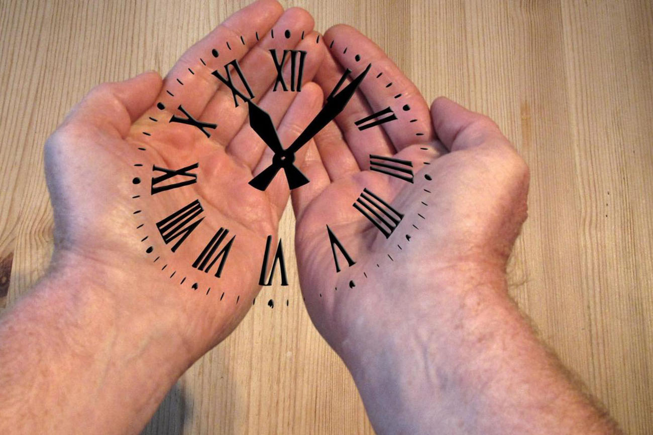 clock on both hands