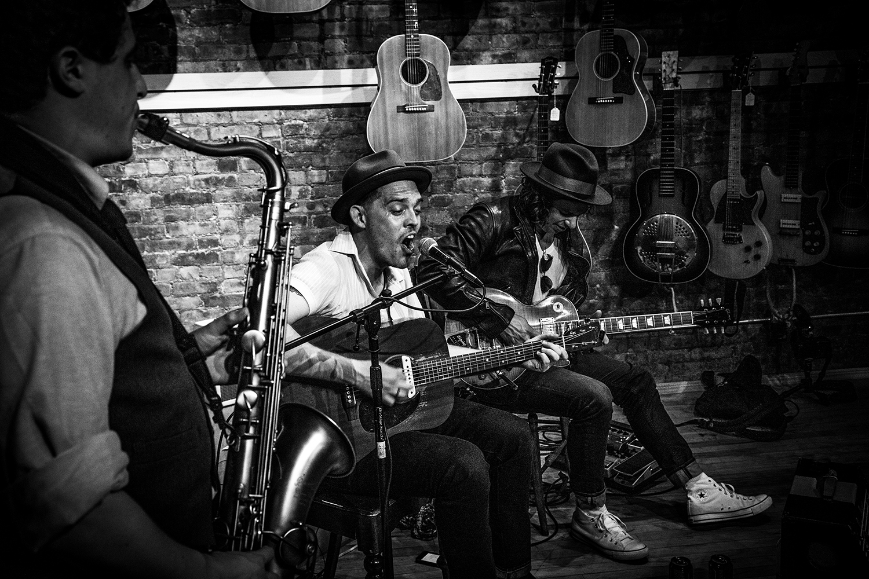 Duffy Higgins_Johnny and Billy_TR Crandall Guitars Live-1479-2.jpg