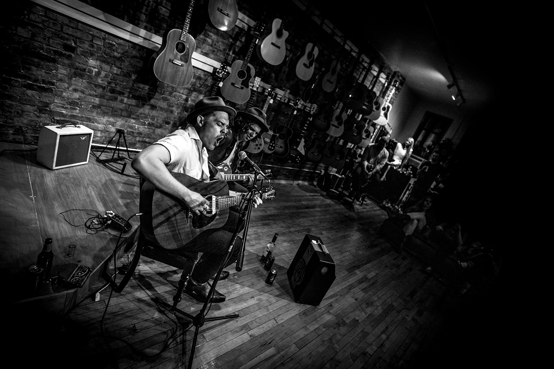 Duffy Higgins_Johnny and Billy_TR Crandall Guitars Live-1321-2.jpg