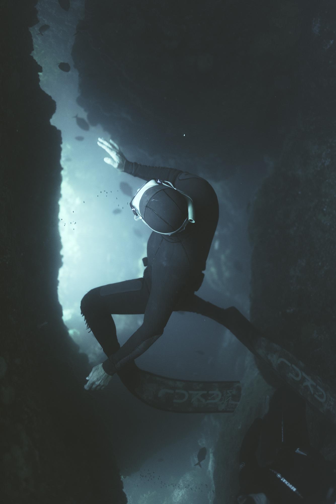 Freediving on barrier-245.jpg