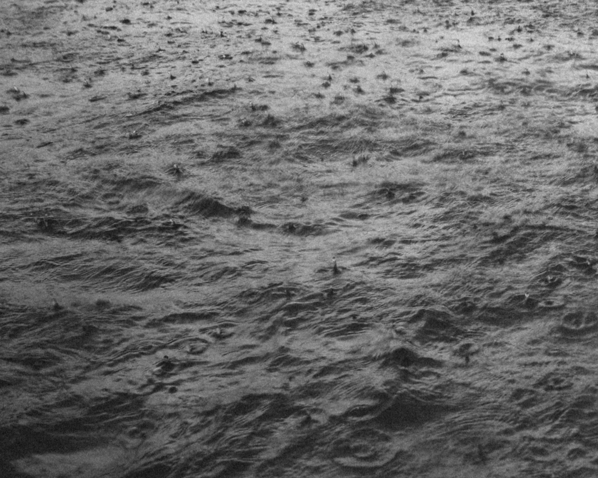 raindrops on sea bw2.jpg