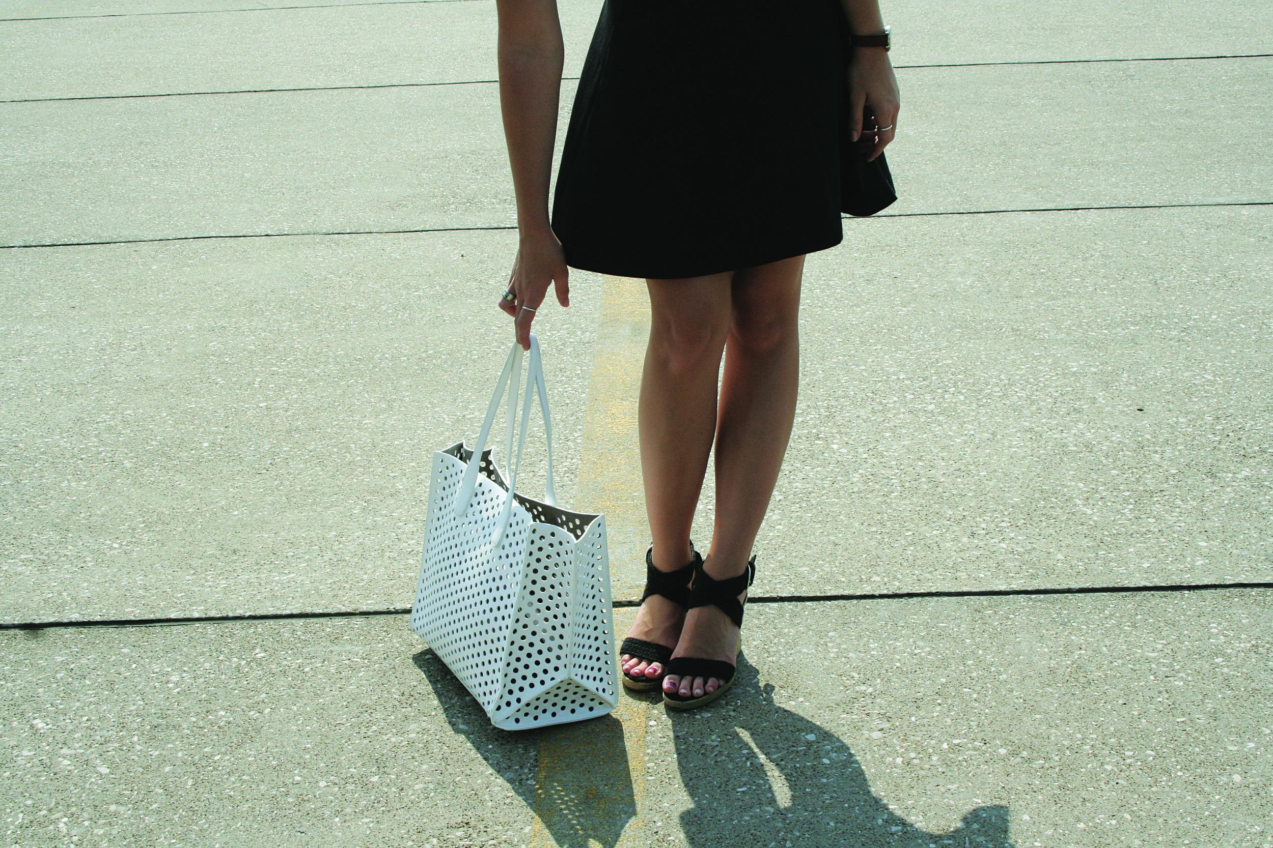 photo: Kierstin | skirt: Uniqlo, shoes: Target, bag: Zara