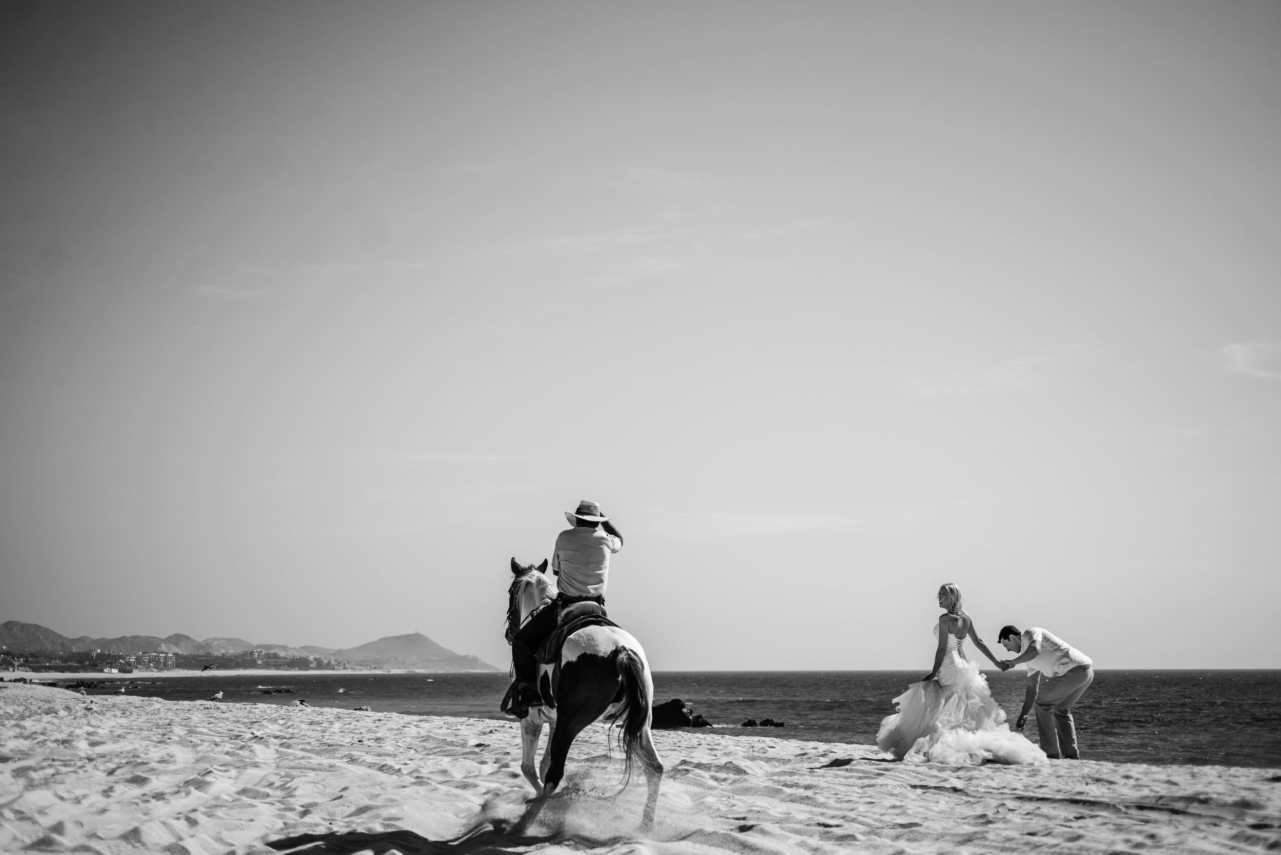 trash-the-dress-session-Cabo-San-Lucas