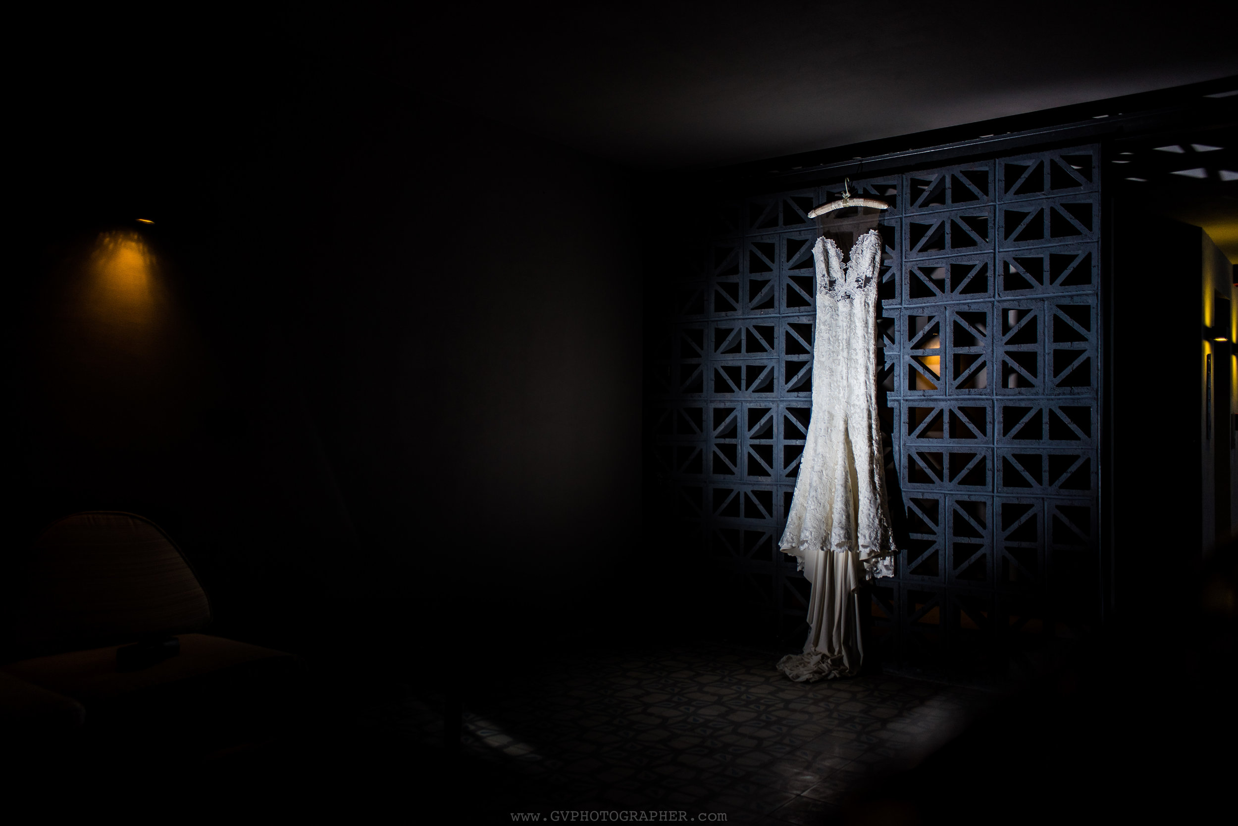 wedding-dress-at-the-cape