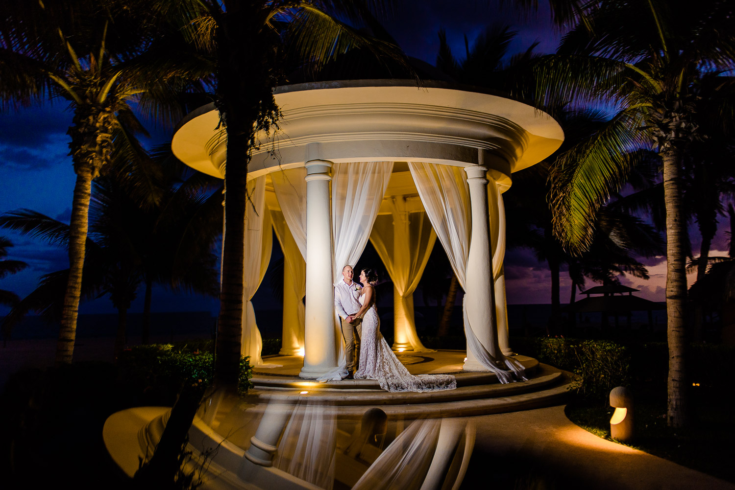 Hyatt Ziva Los Cabos Wedding. Bride and Groom during their sunset photo shoot at Hyatt Ziva Los Cabos Resort