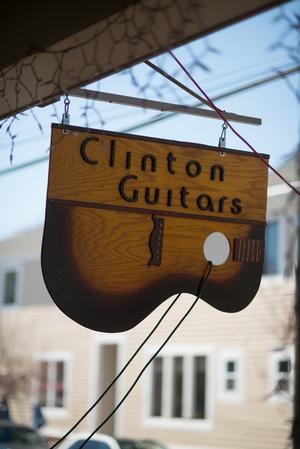 clinton_guitar.jpg