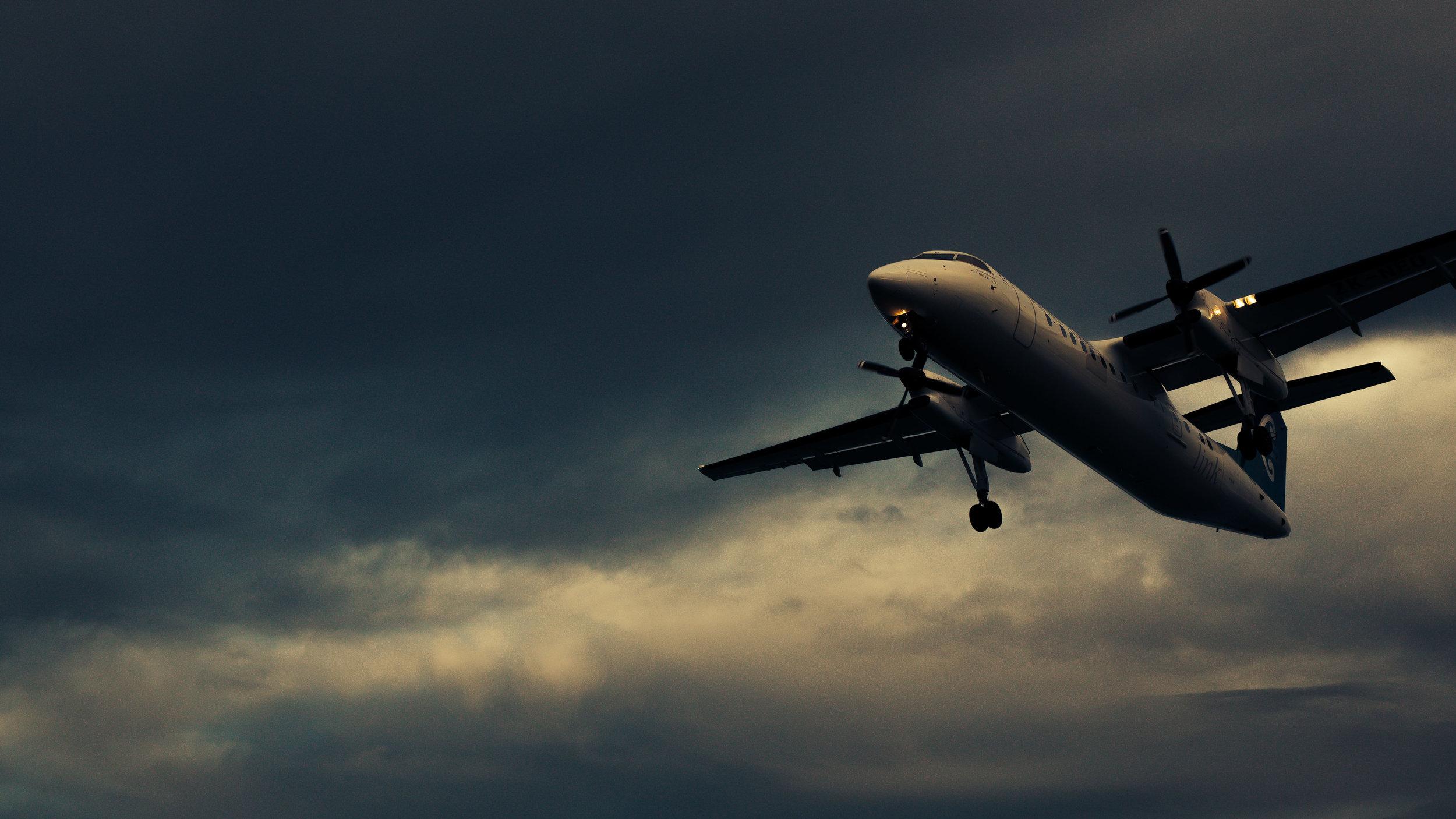 plane-0868.JPG
