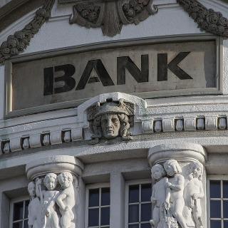 Banks, Finance & Credit Unions - ANZ, BNZ, Kiwibank, First Credit Union, Police and Families Credit Union, Aotearoa Credit Union, Heartland, UDC