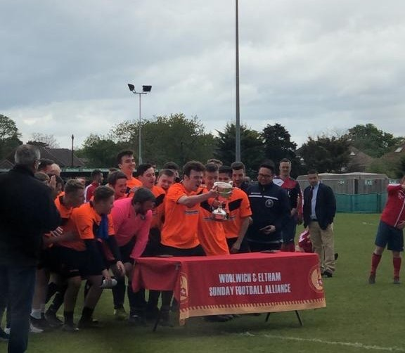 Baldon Sports Reserves lift the Leader Trophy - Pic courtesy of Baldon Sports FC on Twitter