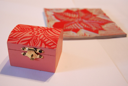 poinsettia_box
