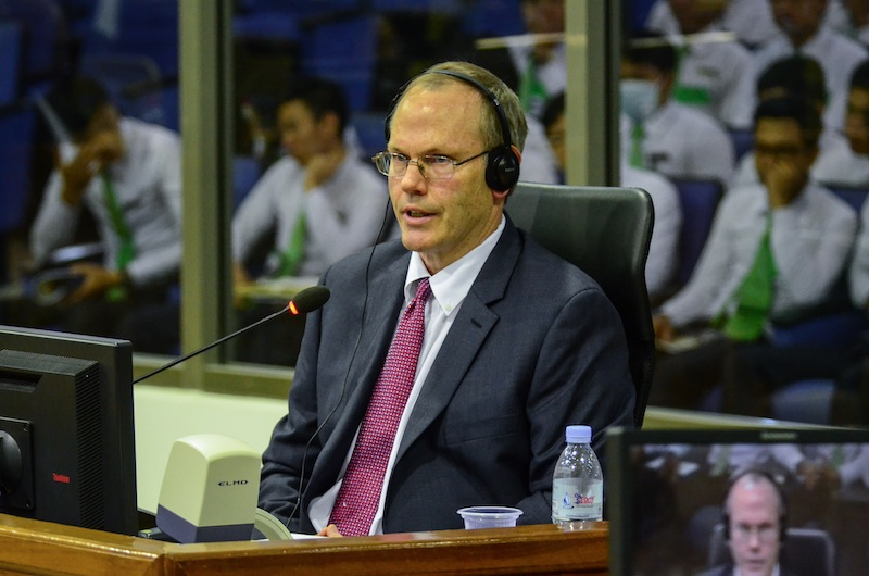 Expert witness Alex Hinton speaks at the Khmer Rouge tribunal on Monday. (ECCC)