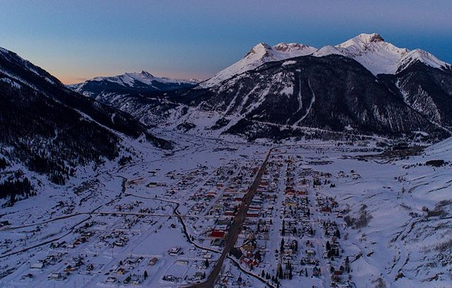 Sure stinks getting up early but gosh darnt things sure do look beautiful. Silverton, CO just before the sunrise today. #silverton #co #colorado #mountains #snow #winter #town #awesome #aerial #drone #dji #phantom #cold #sunrise #tooearly #sanjuans #photography #photo