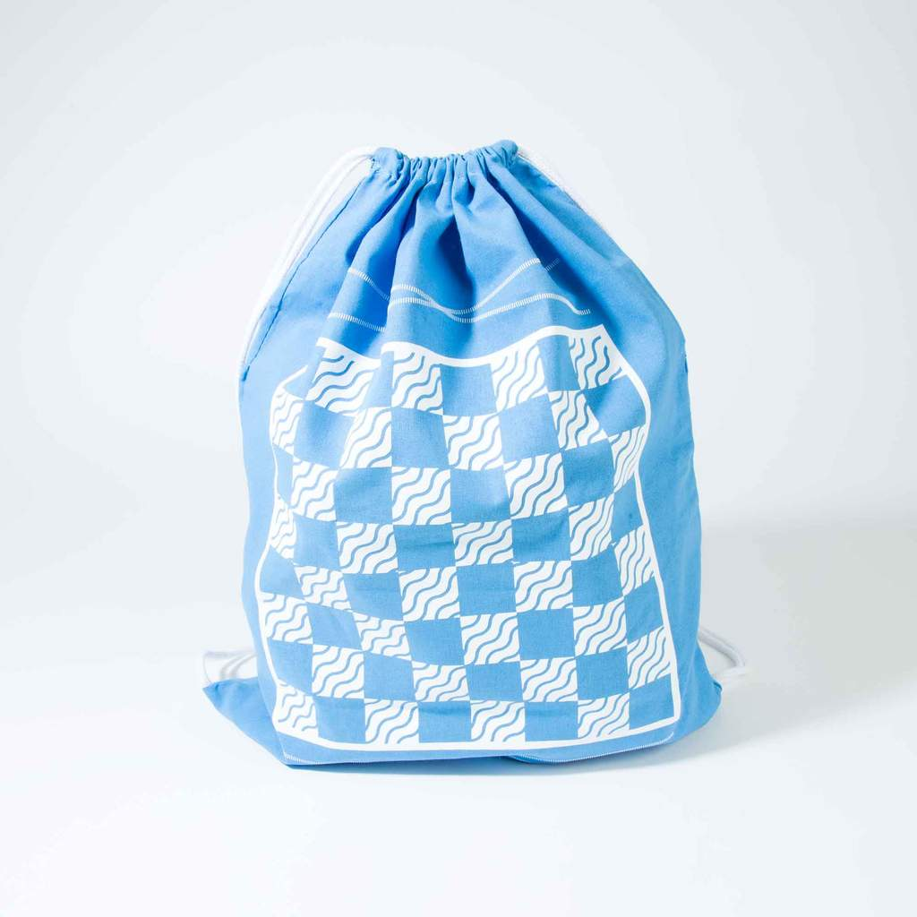 original-backpack-backgammon-checkers-set-blue-bird_4_by_studio_nicco_nyc.jpg