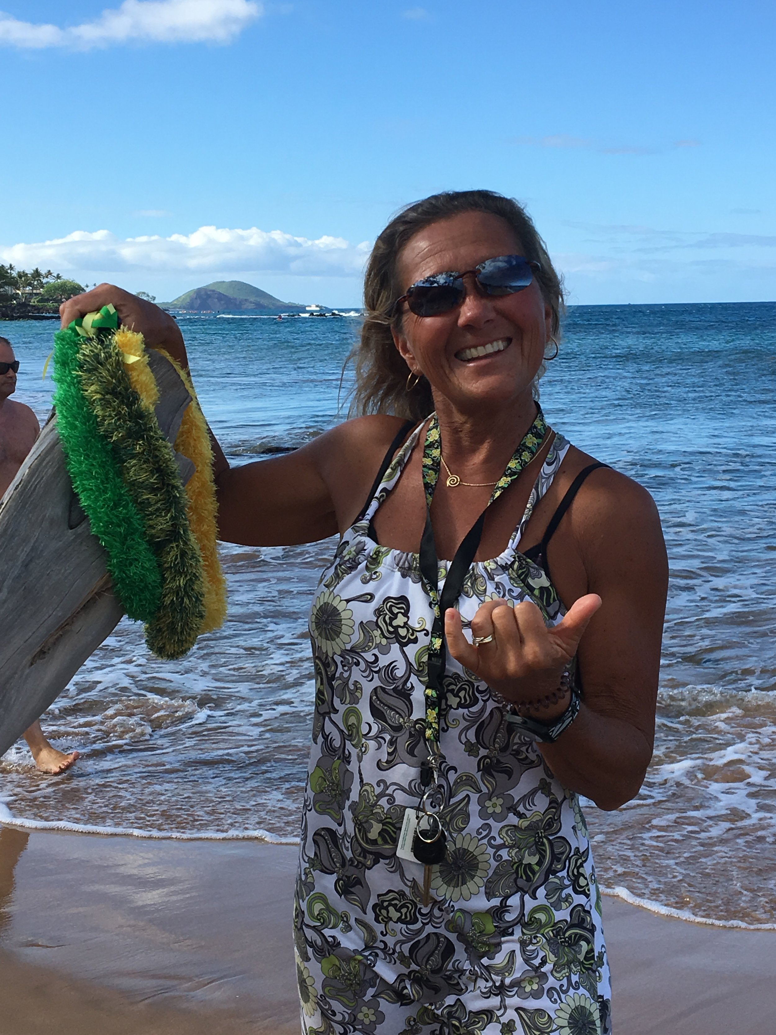 Our Story - I began Always Aloha Leis in 2013 while living and working in Maui. It all started when an 'auntie