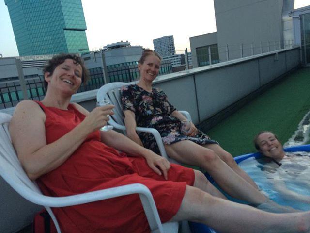 #Literaturabend auf dem Dach, mit Ulrike Ulrich, Annette Lory und Esther Kempf - Prost, auf euch! #Zentralwäscherei #Zürich #Sommer2019 [AnG]