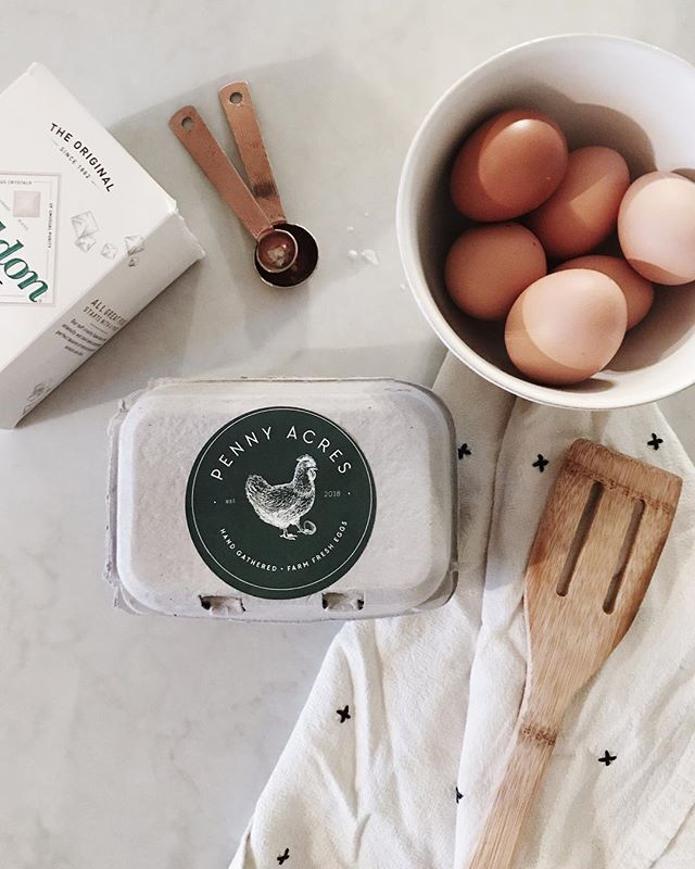 It was so fun making these branded stickers for Anne + Bjorn's fresh eggs! Just got a hand delivered carton + I can't wait to try them in the morning☀️Think I'm in the market for some chickens now 🐓Thanks Anne💛