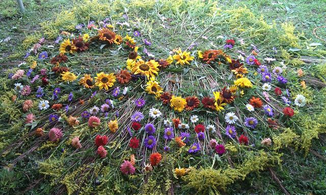 Flower mandala created for farmer Erin and Rob's wedding day