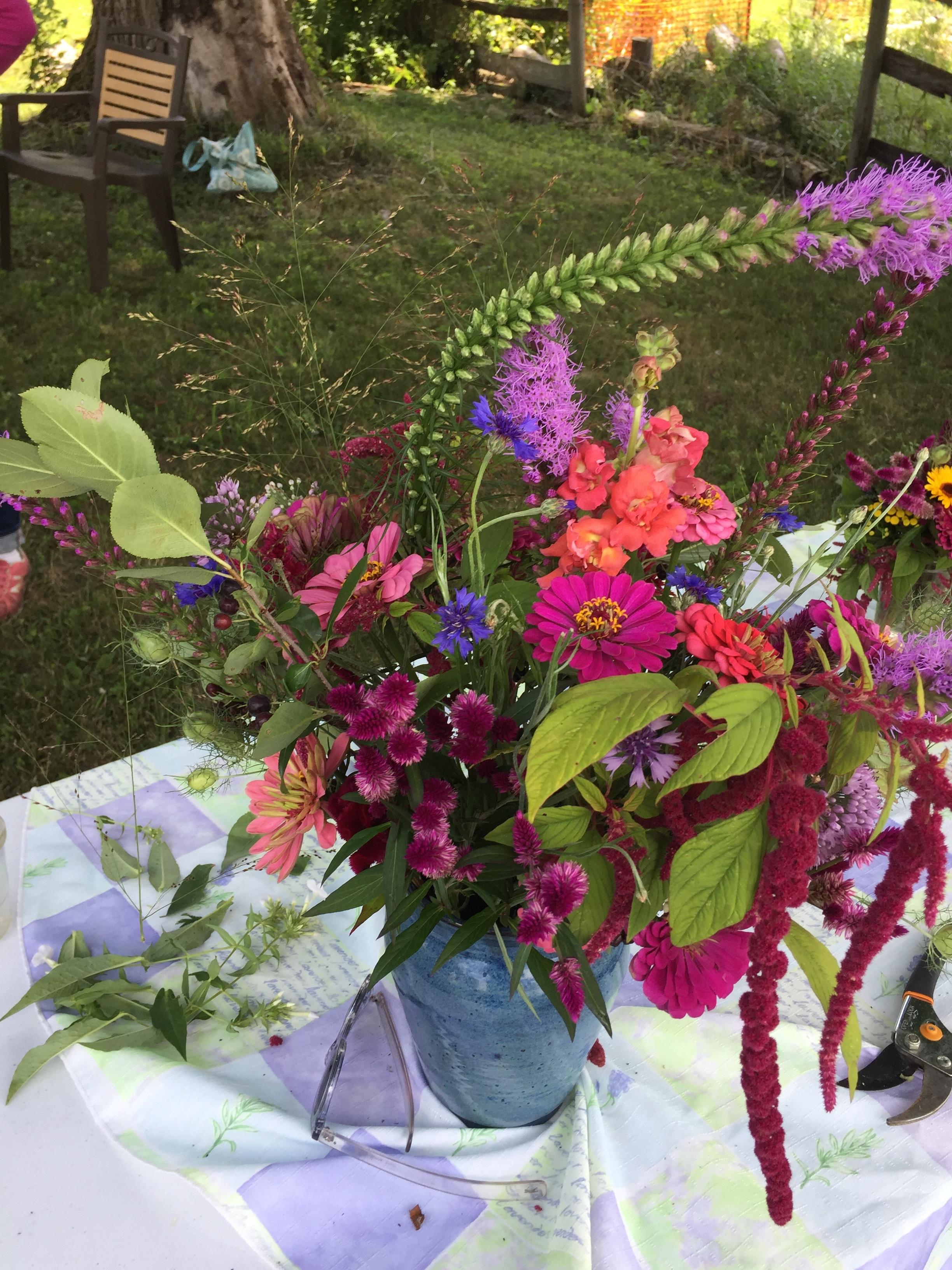 Lisa Cochrane Bouquet - brunch n blooms.jpg