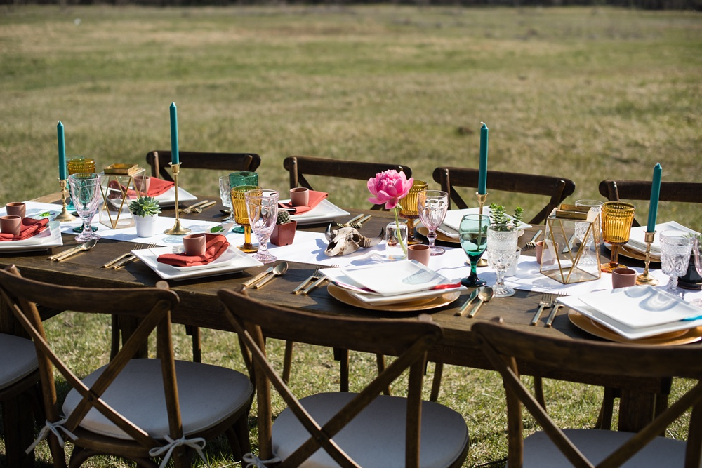 A table setting by Gumption and Grace at a styled shoot at Rist Canyon Inn outside of Laporte, Colorado. Wedding styled shoot and food photography by Sonja Salzburg of Sonja K Photography.