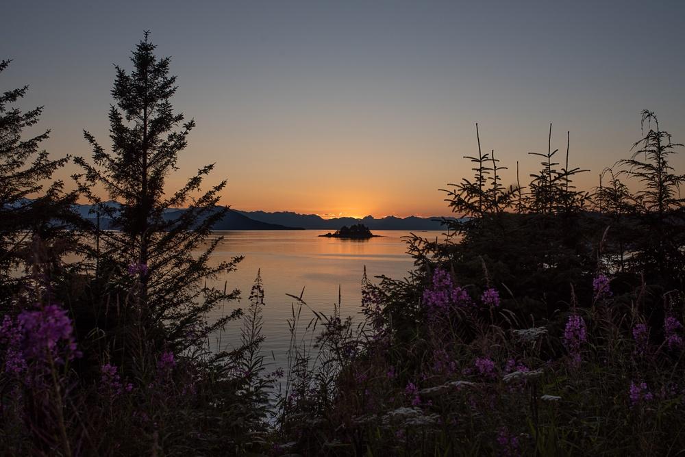 A beautiful Alaskan sunset outside of Juneau. Landscape photography by Sonja Salzburg of Sonja K Photography.