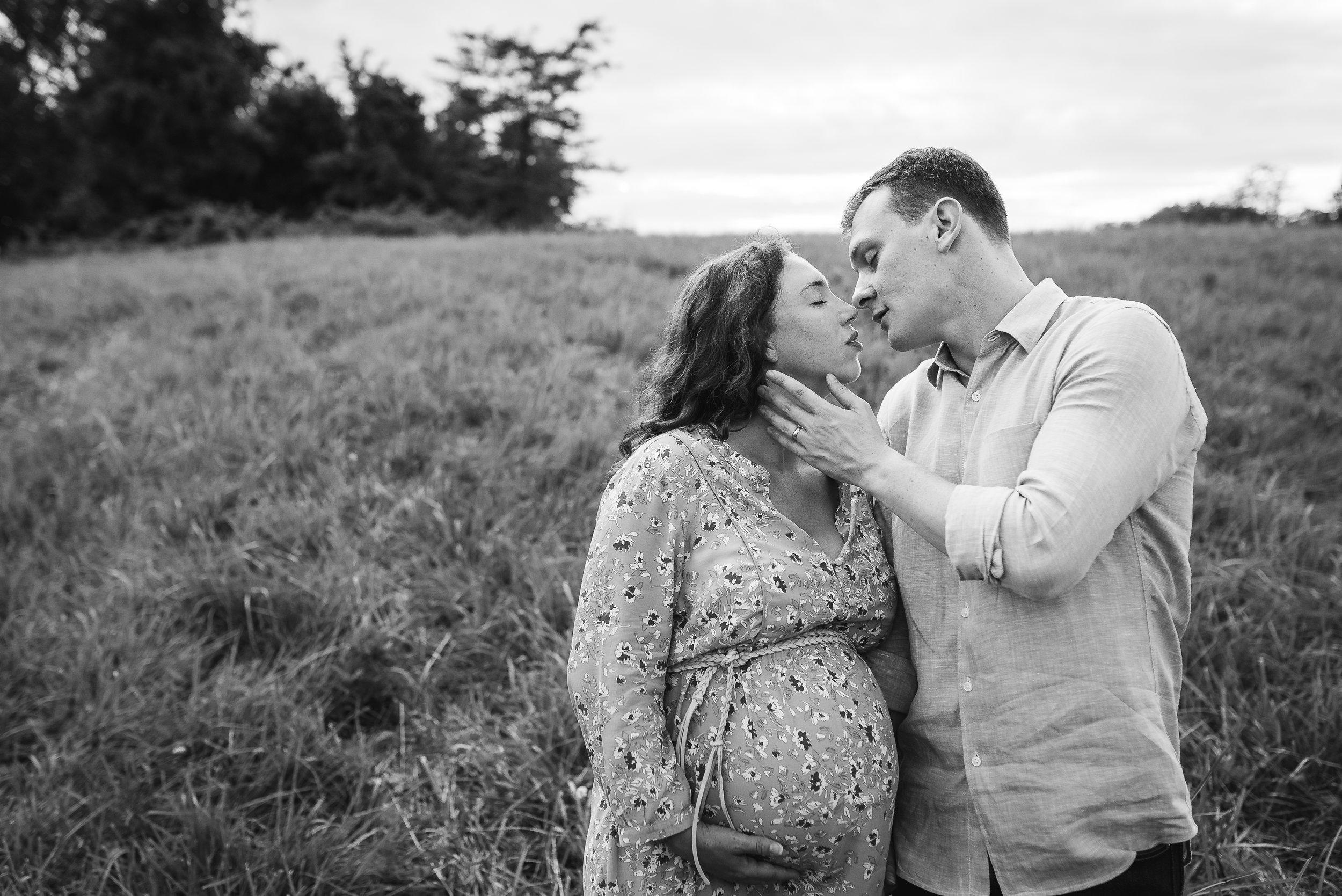 hughes maternity loudoun county photographer-18.jpg