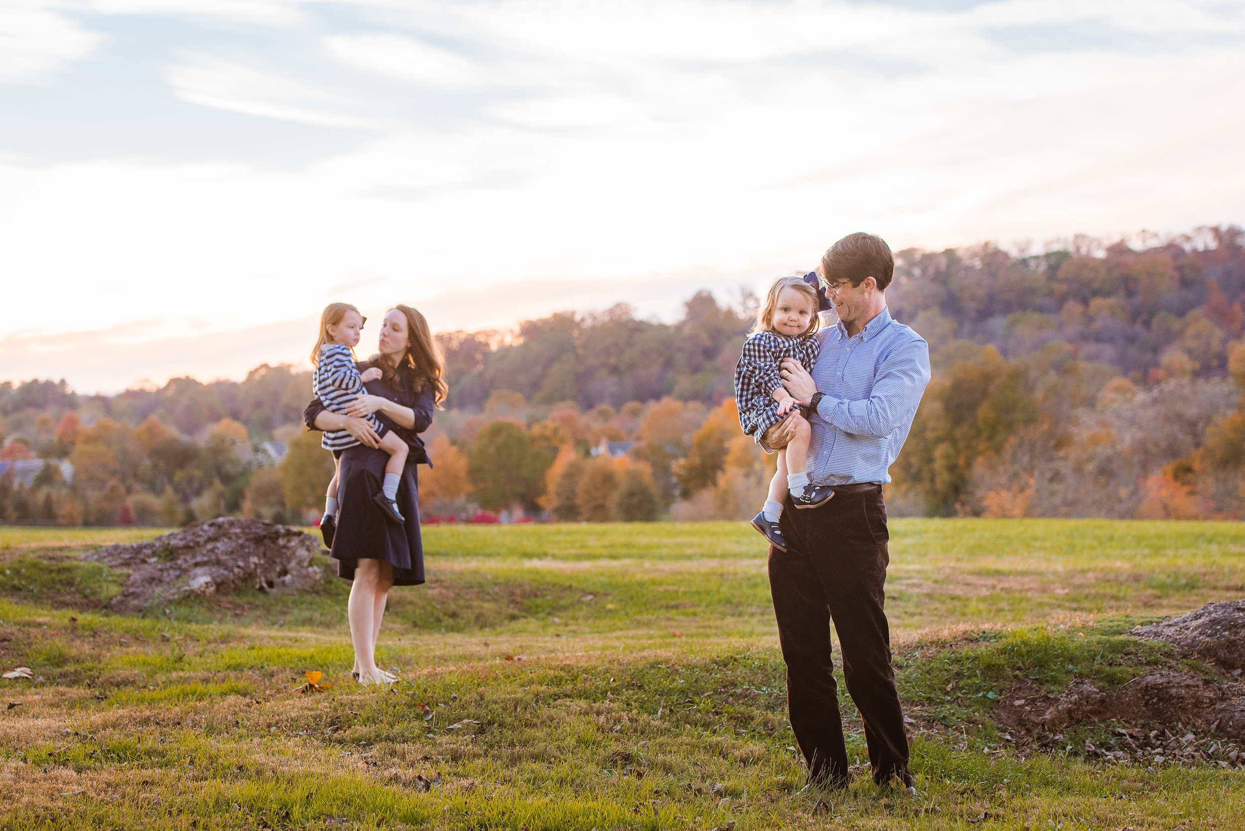 - FULL FAMILY SESSIONS$700- 1 hour, min of 30 imagesprint release + $50 print credit