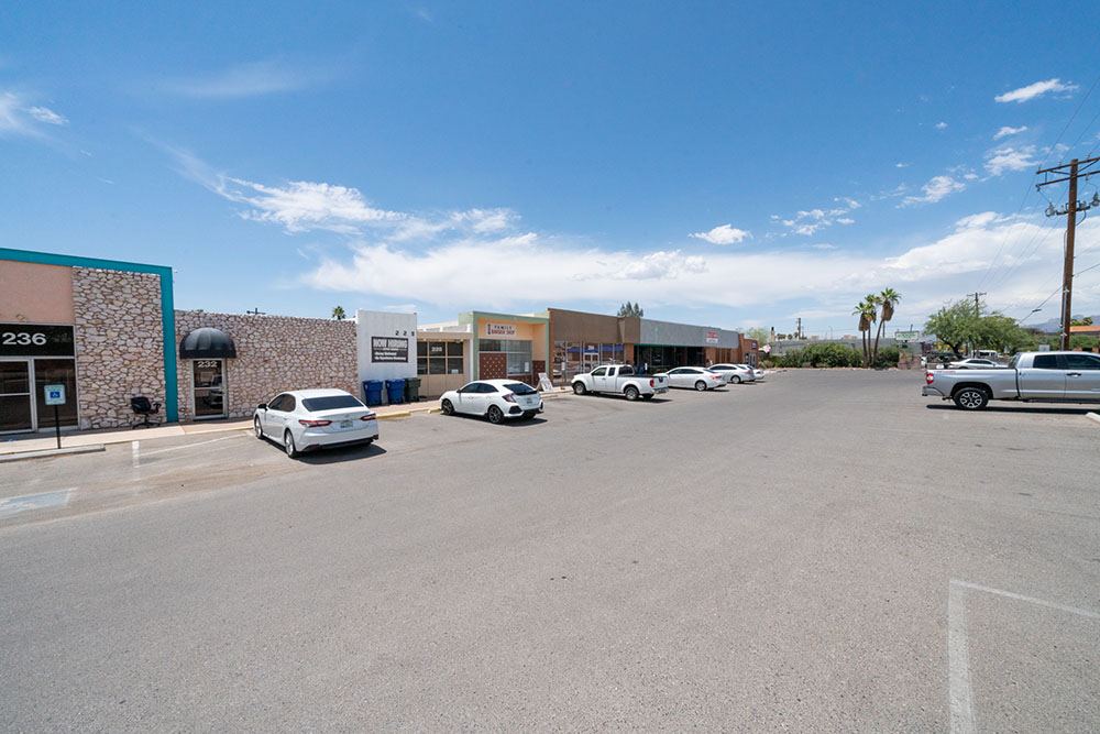 228-232 S Tucson-39_Complex Ext.jpg