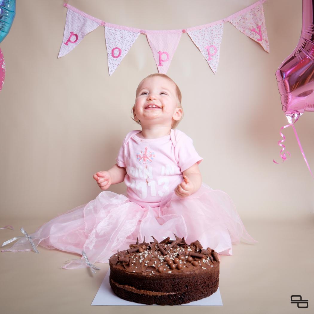 Poppy Likes Cake