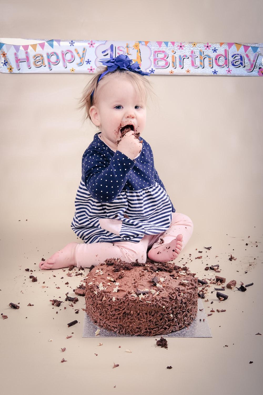 Smash-the-cake-Isabelle-Nottingham-bite