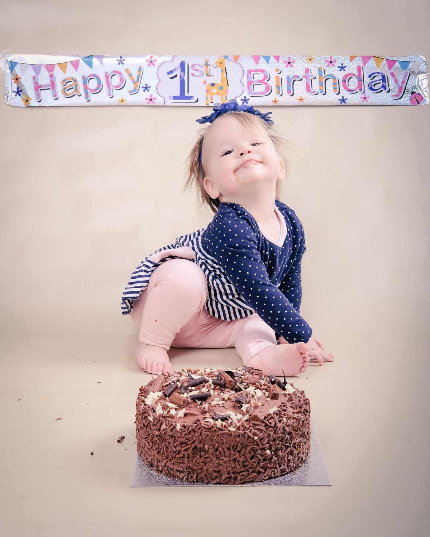 Smash-the-cake-Isabelle-Nottingham-smug