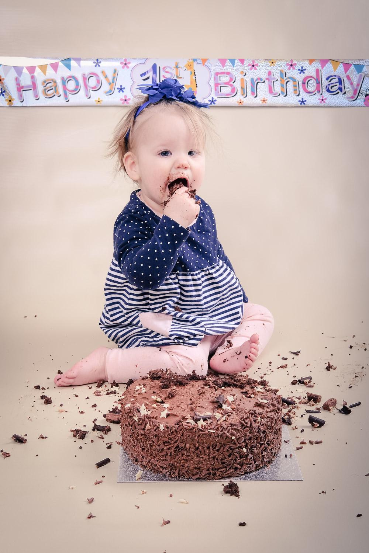 Smash-the-cake-Isabelle.jpg