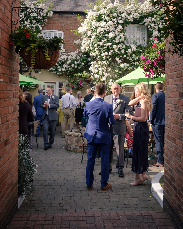 ruddington-country-cottage-courtyard-wedding